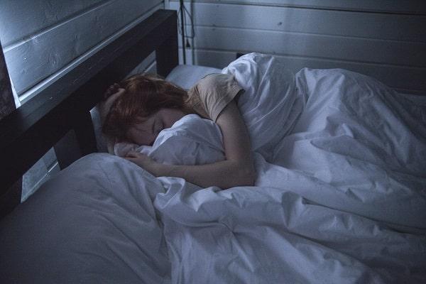 プロテイン 寝る 太る 前